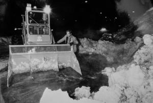 William Sandgren kör snösvängen i Timrå 1985.