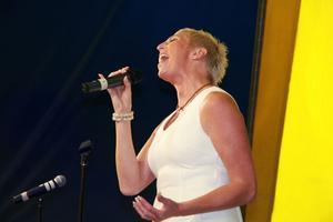 Rose-Marie Allansson gjorde flera starka versioner av Elvis-låtar som Danny Boy, In the ghetto och Amazing grace.