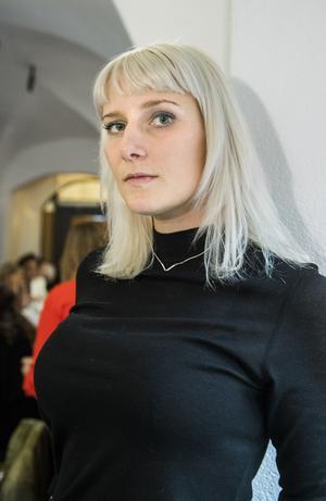Isabelle Ståhl är nominerad för sin debutroman