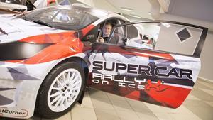 Kevin Eriksson kör RallyX on ice.