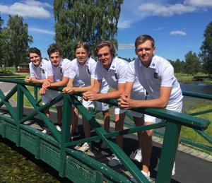 Här är Gävle GK:s representanter under lag-SM på Barsebäck: Kalle Nilsson, Hugo Stenberg, Joel Larsson, Joacim Åhlund, Joel Wendin. Saknas på bilden gör Pontus Nyholm.