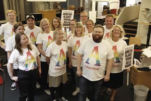 Arbetarbladets redaktion kommer att delta i Pridetåget på lördagen.