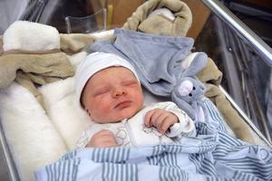 Lilla Walde blev den första bebisen som föddes 2016 på Sundsvalls sjukhus.