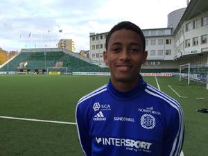 Jonathan Morsay har skrivit på för två säsonger med GIF Sundsvall .