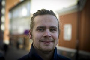 Johannes Larsson, Örnsköldsvik:– Jag har varit utsatt för ett bilinbrott. De snodde stereon och en baslåda. Det kostade mig närmare 5 000 kronor. Det kändes inte bra.