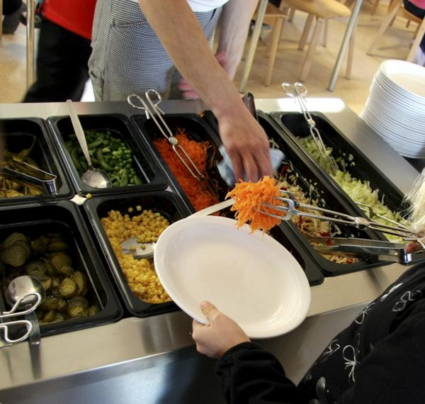 Lunch. Lyssna på elevernas åsikter, manar skribenten.                              Foto: FP/arkiv