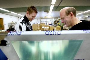Markus Högberg är en av de senaste teknikerna på Elektro-Kapsel där delägaren Niklas Lundström är en av de drivande.