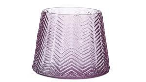 För Svenskt Tenn har Carina Seth Andersson formgivit vaser med inspiration från de exotiska föremål som företagets grundare Estrid Ericsson tog med hem ifrån sina resor utomlands. De tillverkas av Skrufs Glasbruk.