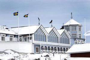 Hotell Havsbaden i Grisslehamn satsar bland annat på att öka kapaciteten för antalet konferensgäster från dagens 100 personer till 500.  Restaurangen byggs ut och kommer ha plats för ungefär 450 matgäster inomhus och minst lika många ute på verandorna när säsongen är rätt.