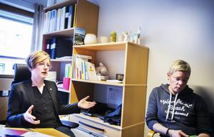 Anna Ekstam, ordförande Polisförbundet Dalarna, med Eva Holmgren, personalombud.