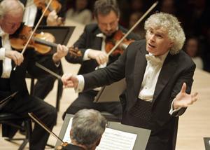 Simon Rattle är Berlinerfilharmonikernas nuvarande chefsdirigent. Foto: Stuart Ramson/AP/TT