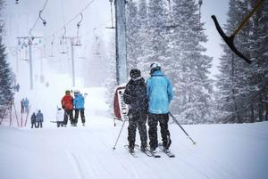 Ett lärlingssystem innebär att den tidigare hotade skidlärarutbildningen i Åre nu är räddad.