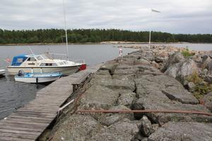 Vid den gamla piren i hamnen i Sörfjärden är det tänkt att den nya gästhamnen ska ligga. Här planeras även för en restaurant eller ett café, en utveckling som Gnarps företagare stödjer till fullo.