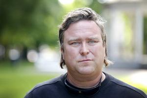 Stefan Häggmark är trött på att arbeta i parker som stinker av kiss.