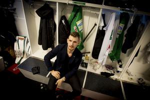 Simon Jansson i VSK:s omklädningsrum i ABB Arena.