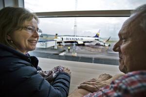 Teresa och Gunnar Nylund lämnade av sin dotter på flygplatsen.