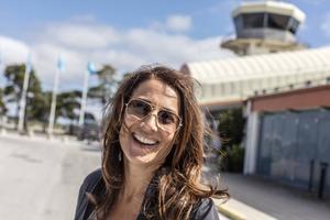 På grund av flygstrejken fick Jill Johnson flygas till Gotland i ett privatplan.