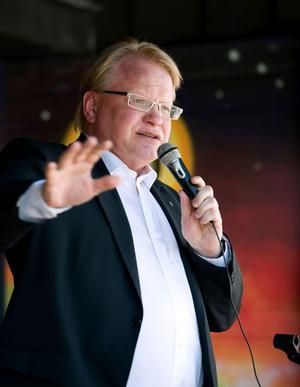 Riksdagsledamot Peter Hultqvist (S) menar att PKK-debatten försvinner om kurdfrågan får en lösning.
