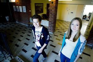 Bäst i Gävle på allmänbildning. Victor Bellander och Julia Östling Kütt från Solängsskolan.