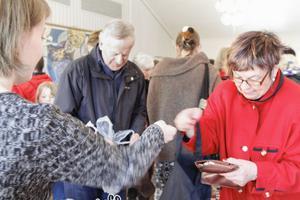 Sonja Kroon fyndade på kyrkans loppis