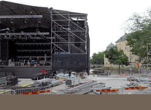 Den stora scenen börjar bli färdig.