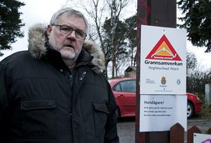 Det är en liten grupp människor som inte plockar upp hundbajset, men det ställer till stora problem konstaterar Bengt Häfbom.