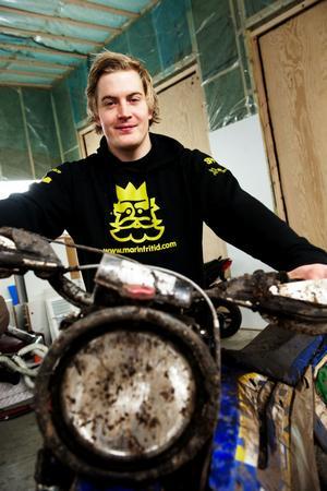 Junioren Jonas Bengtsson överraskade och satte alla på plats i Novemberkåsan.