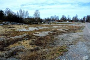 Så här ser området ut i dag där det kommer att byggas rad- och parhus.