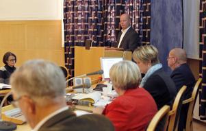Det råder skilda meningar om huruvida det finns ett tjänstemannastyre i kommunen eller inte.