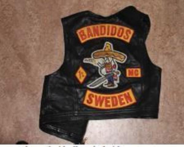 Det var själva bandidos-symbolerna som utlöste bråken com ledde till mordförsök och åtal.