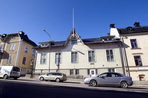 Länsstyrelsen är, precis som länsmuseet, kritisk till att riva Frälsishuset i centrala Hudiksvall.