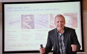 – Vi levererar resultat även i en svag konjungtur och förbättrar samtidigt produktiviteten, kommenterar Carl-Johan Linér, platschef för ABB i Ludvika, ekonomiska rapporten som prickat förväntningar och lite till. Styrelsen föreslår höjd utdelning till aktieägarna till 0,68 schweizerfranc. FOTO BOO ERICSSON
