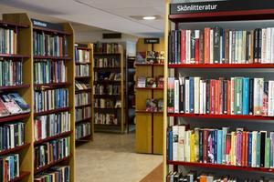 Generösa öppettider på biblioteken är viktigt för allmänheten.