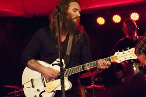 Israel Nash och hans band bjöd på mer hjärta än smärta under spelningen på Marité på torsdagskvällen.