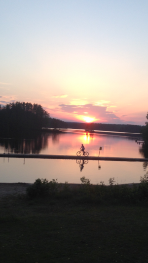 Cyklar mitt i sjön
