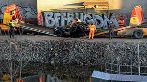 Bilen med bandmedlemmarna i Viola Beach körde ner i Södertälje kanal den 13 februari 2016.