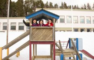 Christina Eriksson, lärare, Agneta Nygren, lärare och Berit Tjärnström, förskolelärare om Pilgrimstad skola, tycker att det känns allt annat än jobbigt att det definitiva beskedet för skolan inte kommer att tas förrän 2015. De är mer än lättade över det.