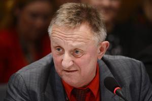 Staffan Danielsson (C) vägrar att respektera sitt partis migrationspolitik.