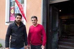 Abd Zaid Salah Abdulhadi och Abbas Hussein har fått stöd av sina kunder under tisdagen.