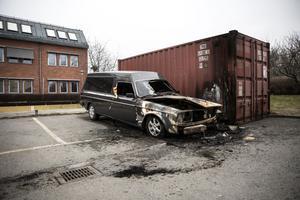 Begravningsbilen brann någon natt innan DT:s besök.