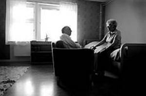 Foto: TERESE PERMAN 1930-talsinrett. Hittills har Rune och Maily Hjelm åkt till villa Milbo en stund på dagen, men i augusti ska hon stanna en vecka.