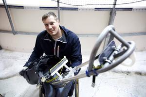 I höstas startade Hedemora SK upp kälkhockey i Hedemora. I helgen kommer landslaget i kälkhockey till Hedemora på träningsläger. Christian Hedberg är en av landslagsspelarna.