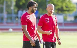 Blend Sheikho, anfallare, (t h) och Tony Andersson (t v) kom både till Köping mitt under säsongen men lyckades inte med uppdraget att hålla klubben kvar i division 3.