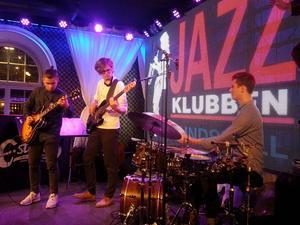 Sundsvallsgrabbarna David Kontra Trio.