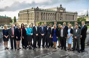 """Sveriges nya regering är på plats och med den en ny jobbpolitik. """"Personligen känns det bara destruktivt och sorgligt, men vad ska man göra?"""" skriver signaturen """"Antirödgrön""""."""