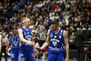 Mike Bruesewitz och Dino Cinac – Basketligans bästa radarpar just nu. Jämtlandsduon är trea respektive tvåa i poängligan.