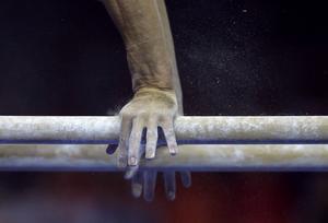 Efter trakasserier och kränkningar från tränaren ska flera gymnaster ha fått ätstörningar och gått gråtandes hem från träningarna.