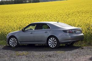 Högklassiga köregenskaper och väl tilltaget format på nya Saab 9-5.Foto: Rolf Gildenlöw