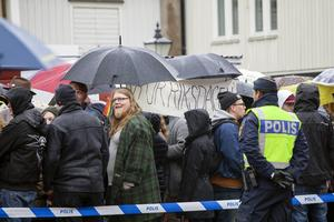 Det jag såg var äldre ungdomar och vuxna människor som demonstrerade för att vi vill ha tillbaka det vi en gång hade här i Sverige: medmänsklighet och acceptans för varandras olikheter, skriver Angelica Tärnsby.