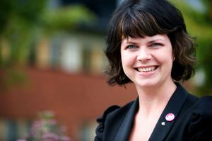 Sofia Jarl i Gagnef har bestämt sig för att ge stöd åt Annie Lööf som ny centerledare...